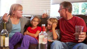 Если пьют родители какой службы и куда обращаться