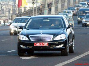 Красные номера на машине в россии