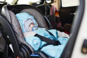 Перевозка новорожденного в авто зимой