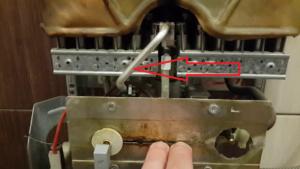 Если газовая колонка бош гаснет фитиль