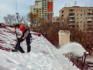 Сколько метров от зданий должено чистить снег