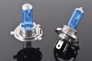 Почему запрещены ксеноновые лампы в фарах