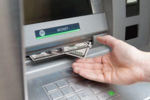 Как с банкомата сберьанк снять доллары
