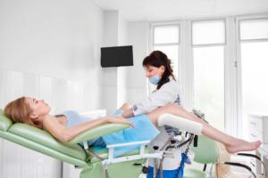 Зачем для получения прав проходить гинеколога