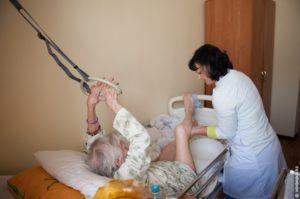 Обязанности санитарки в больнице с лежачими больными
