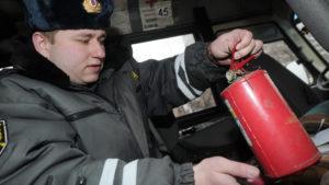 Имеет ли право дпс проверить аптечку и огнетушитель